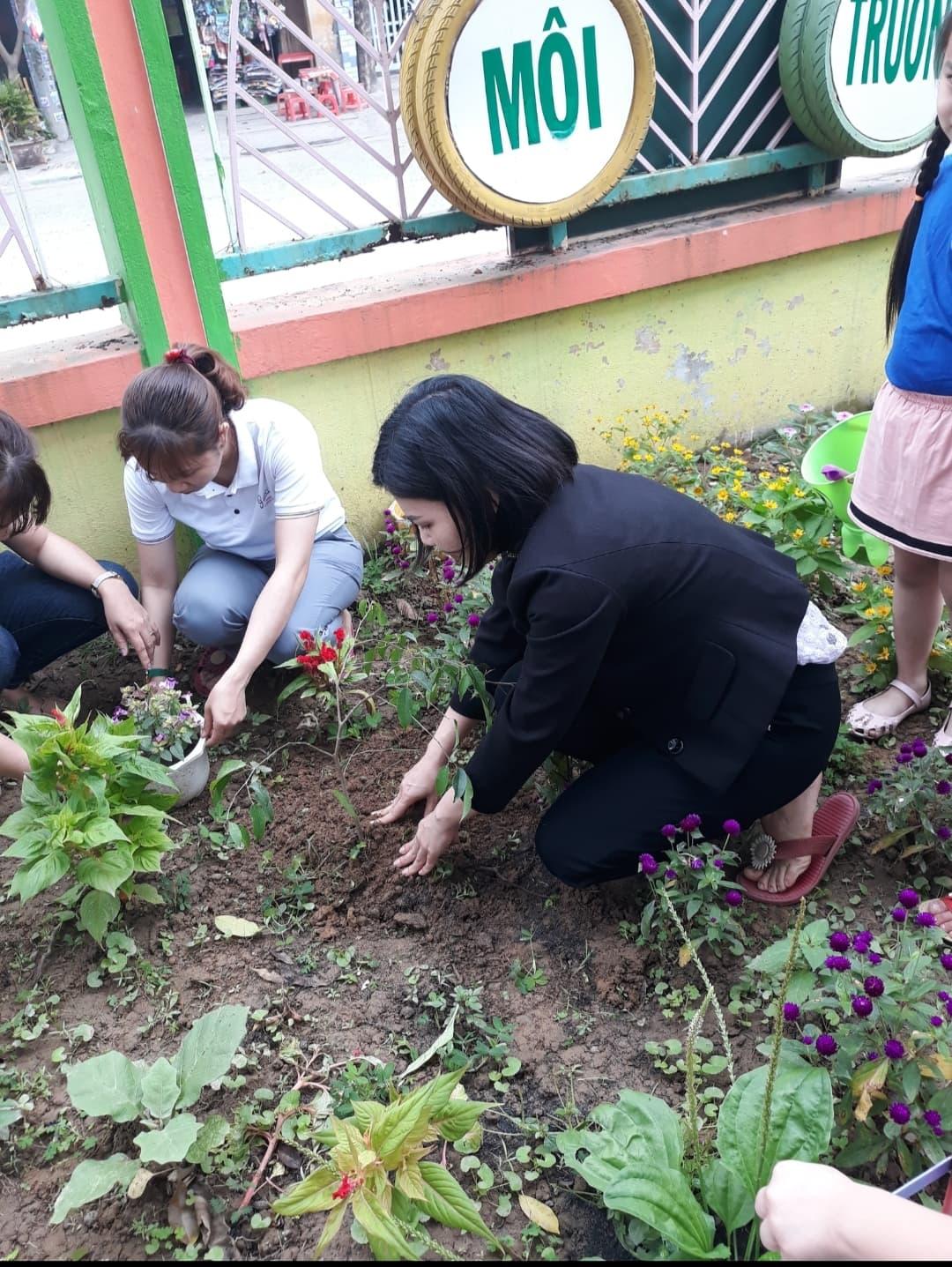 """Hoạt động"""" Tết trồng cây"""" năm 2021"""